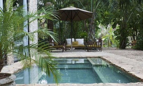 35 Trending Small Pool Designs for Your Backyard